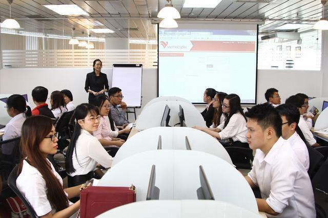 Ngành quản trị kinh doanh nên học trường nào?
